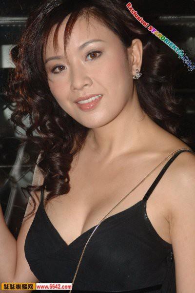 《我和僵尸有个约会》主演近况——张文慈